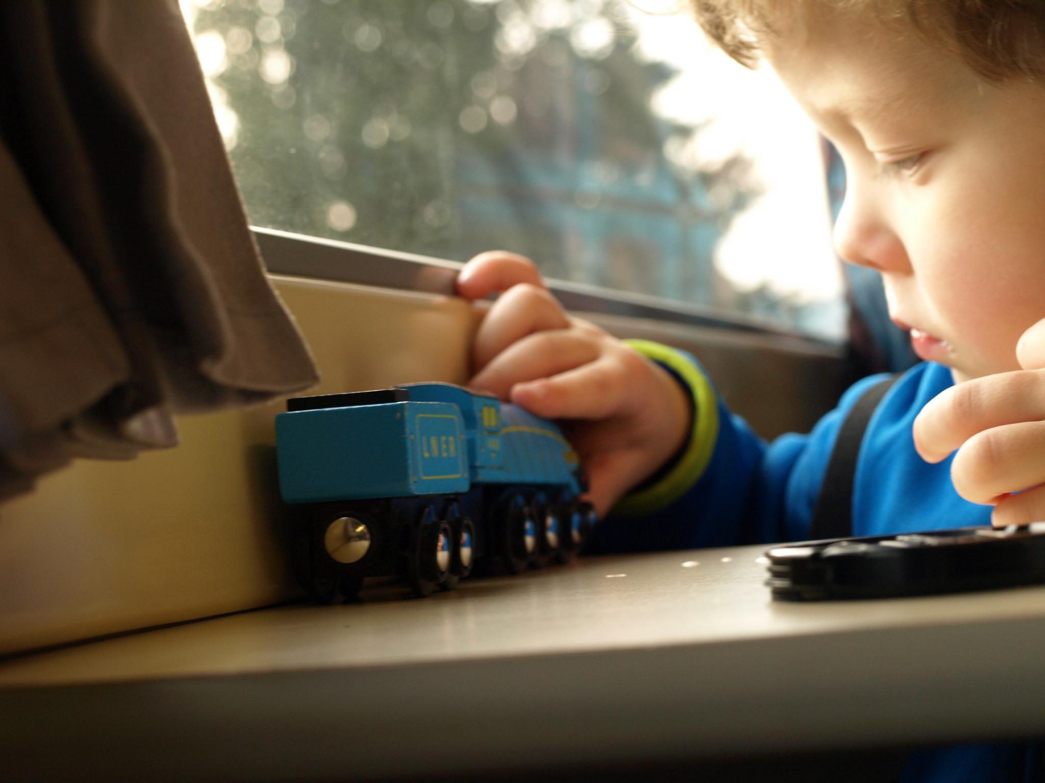 Vlak je skvělý na cesty s dětmi